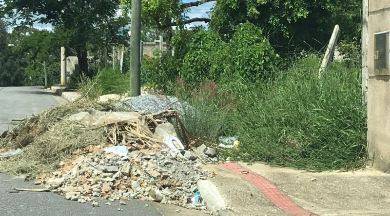 Planejamento urbano faz alerta sobre manutenção e limpeza das calçadas