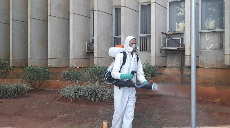 Prédio da prefeitura passa por desinfecção