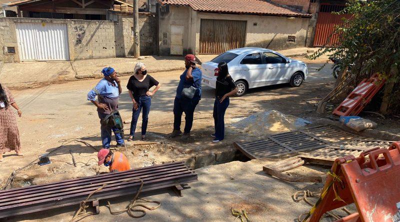 Prefeitura realiza a troca das grelhas e limpeza de bueiros em PL